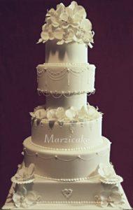 Celý dort+logo