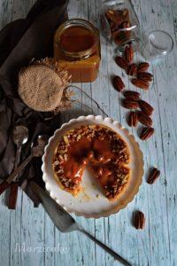 Jablka a karamel 8+logo