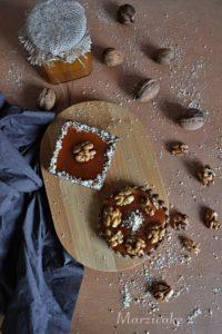 Ořechové a s karamelem+logo