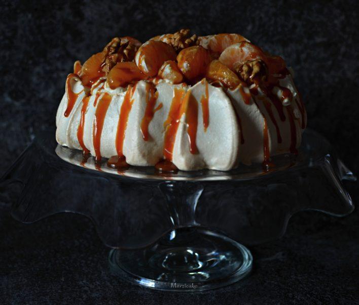 Karamel, mandarinky a ořechy+logo